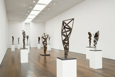 Conrad Shawcross : Inverted Spires and Descendent Folds