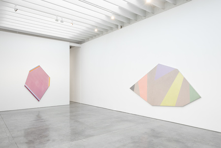 Kenneth Noland: UNBALANCED