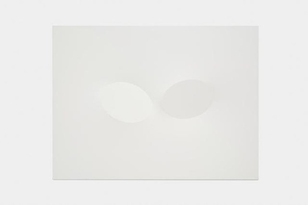 Due ovali bianchi