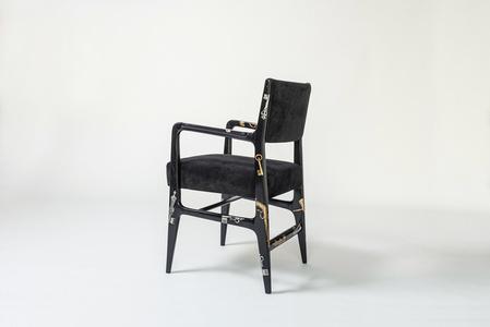 """""""Chiavi e pistole"""" rare armchair"""