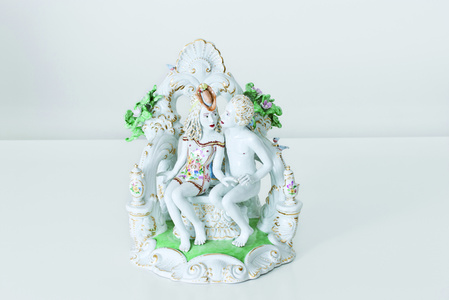 Secluded Kiss [Courtesy MEISSEN COUTURE® Art Collection]