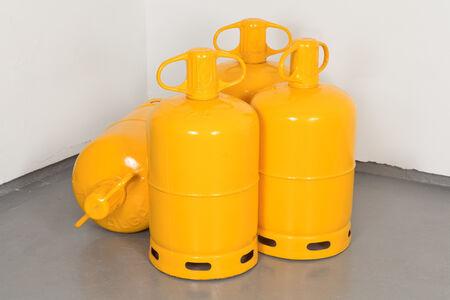 Quatre bouteilles de gaz