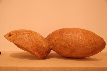 "Escultura"" (con probable influencia de Brancusi) / Sculpture (with probable influence of Brancusi)"