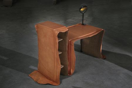 Desk / Coiffeuse