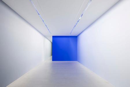 Wall painting (Blue 0-100% - Black 0-100%- Mirror)