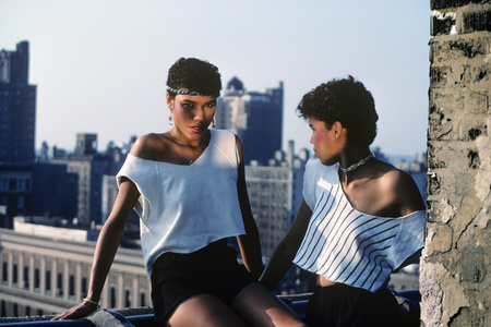 The Lopez Sisters on the Roof, Spanish