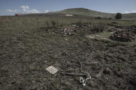 Driefontein graves, exhumation in progress