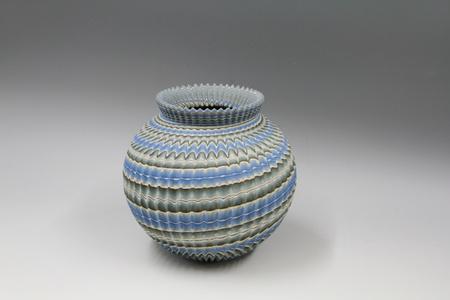 Ridged Neriage (marbleized) pot