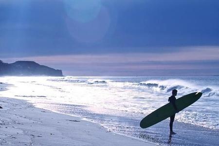 Trace (blue surfer)