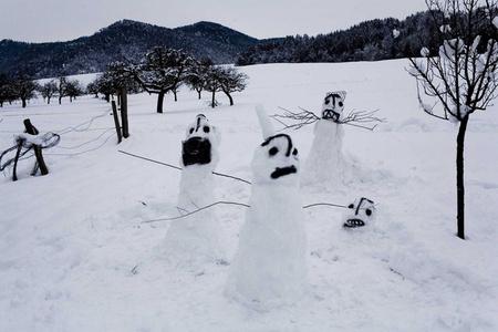 Untitled (snowmen)