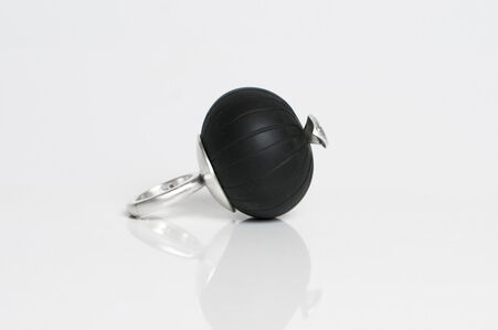 Black Bubble Finger Ring