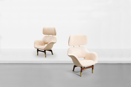 "Pair of armchair with neck rests, model ""Marski"""