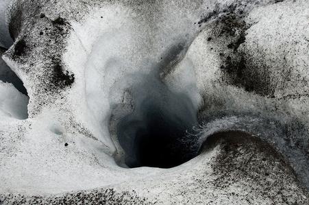 Glacier Hole / Svinafellsjokull