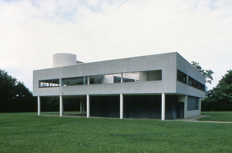 Villa Savoye, Exterior