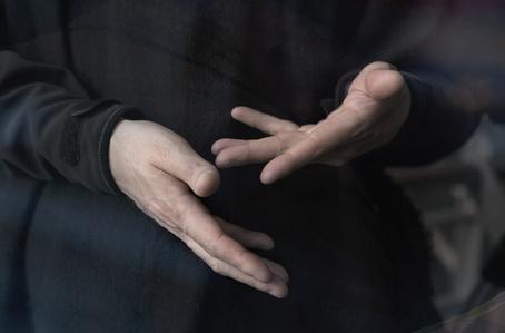 Les mains III