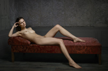Reclining Nude Nº2. Skin Deep Medium.