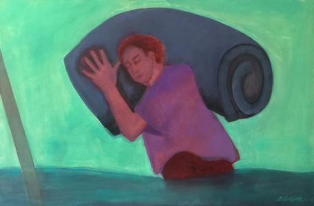 Inundados: hombre con colchón