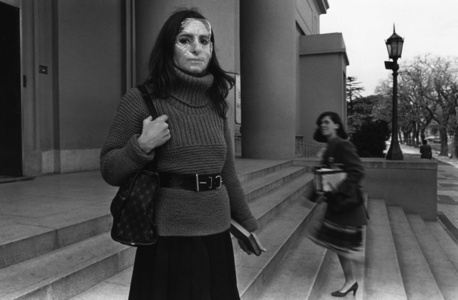 Untitled. Liliana Maresca in front the National Museum of Fine Arts, Buenos Aires