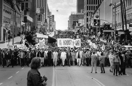 Untitled (Marchers protesting the Vietnam War on Wilshire Boulevard at Virgil Street, Los Angeles)