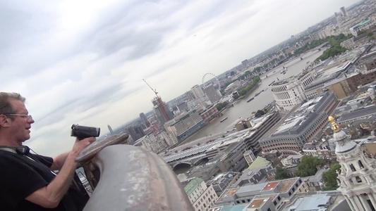 Handlauf Millenium Bridge (London)