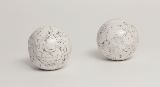 Escultura para todos os materiais não transparentes