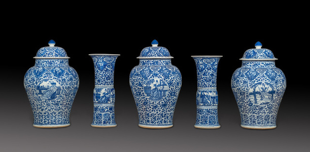 Blue and white Chinese porcelain five piece garniture decorated with European subject in underglaze blue