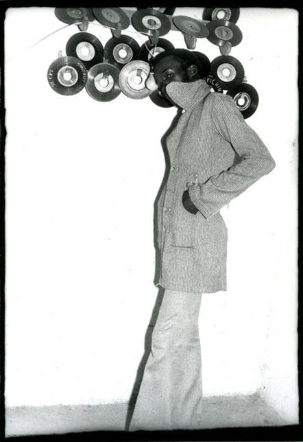 Malick Sidibé, 'Je suis fou de disques', 1973