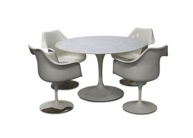 Eero Saarinen, 'A circular marble dining table and 4 tulip chairs', circa 1970