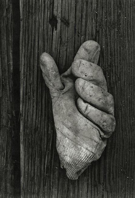 Aaron Siskind, 'Gloucester 1H (Glove)', 1944