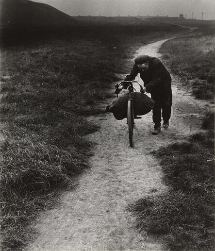 Bill Brandt, 'Coal-searcher going home to Jarrow', 1937