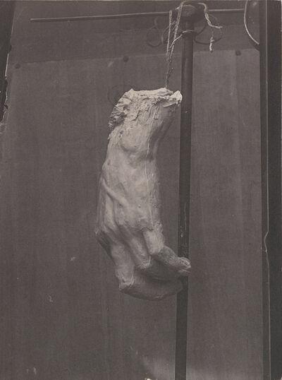 D. Freuler, 'Main en plâtre suspendue à un support épreuve sur papier salé (Hand in plaster suspended by a support)'