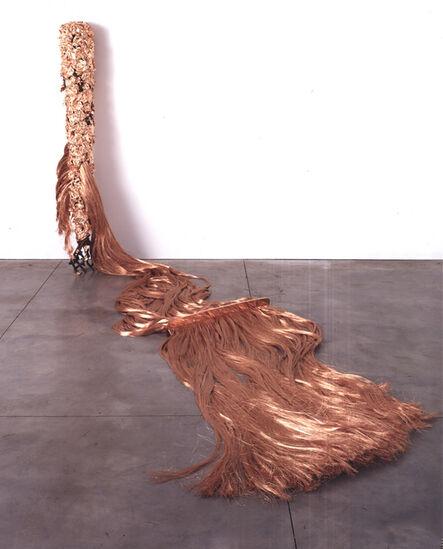 Tunga, 'Tacape Escalpe (pente e fios)', 1986