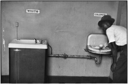 Elliott Erwitt, '19. North Carolina. (Segregation fountain)', 1950