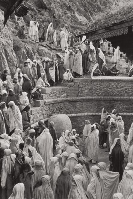 Henri Cartier-Bresson, 'Women at the Mahdum Shah Ziarat mosque, Srinagar, Kashmir', 1948
