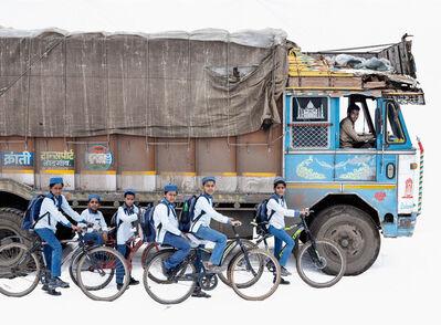 Martin Roemers, 'Tata 1613; Truck driver Akhtar Ahmed, Students from the English Medium School (Malegaon, Maharashtra)', 2019