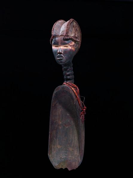 'Wakemia, cuillère cérémonielle à tête de femme (Wakemia, ceremonial ladle in the shape of a woman's head)', c. 1930