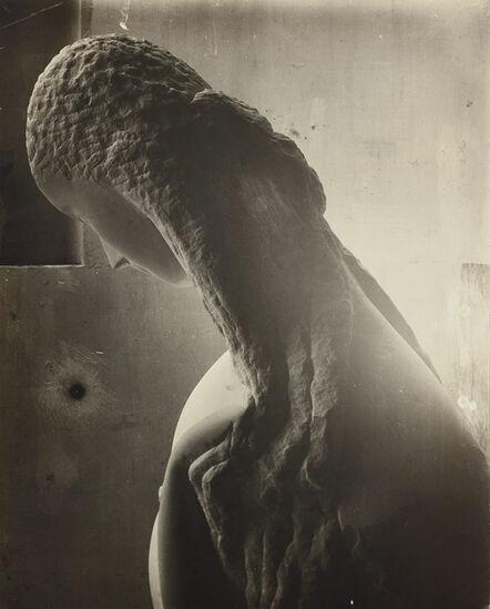 Constantin Brâncuși, 'Femme se regardant dans un miroir [Woman looking into a mirror]', 1909