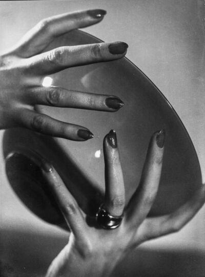 Annemarie Heinrich, 'El cuenco', 1935