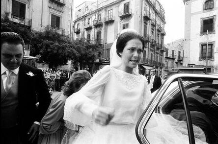 Letizia Battaglia, 'Sposa ricca arriva a Casa Professa', 1980