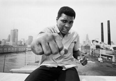 Thomas Hoepker, 'Ali right fist skyline, Chicago', 1966