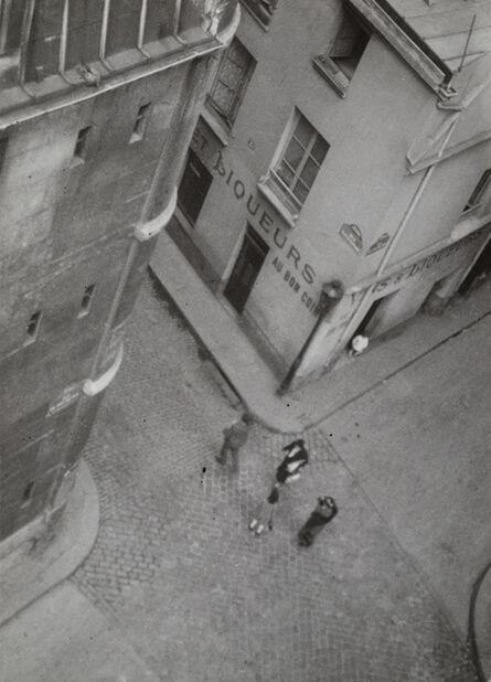 Germaine Krull, 'Au bon coin, Paris (At the right corner, Paris)', 1929