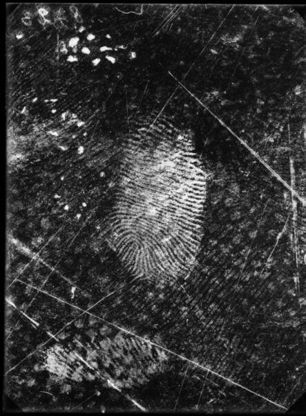 'Empreintes digitales relevées sur une toile cirée, 25 novembre 1915, Grand-Chêne, Lausanne, Vaud. ', 1915