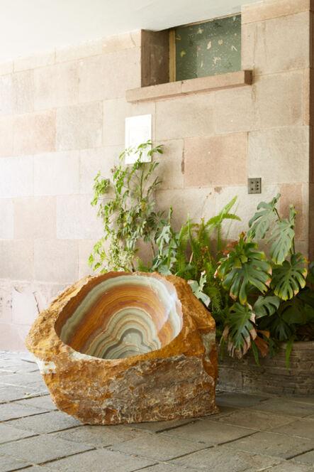 Mario García Torres, 'Tallé la forma de la silla Acapulco en esta piedra para poder sentir su energia en todo el cuerpo', 2021