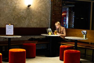 Yolanda Andrade, 'La muchacha de la cafetería, Londres', 2019