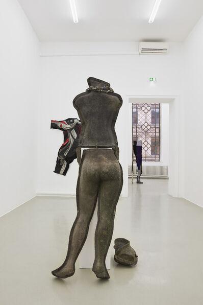 Alexandra Bircken, '»Hartschalenkomplott«', 2016