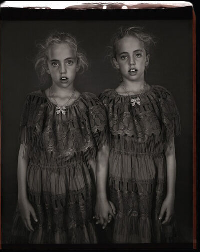 Mary Ellen Mark, 'Heather & Kelsey Dietrick, 7 yrs. Old, Kelsey older by 66 minutes', 2002