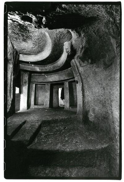 Sigrid Neubert, 'Hal Sa ieni: Zugang zum Allerheiligs- ten des Hypogäums, Malta,', 1984-1988
