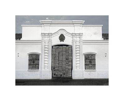 Res, 'Una puerta y dos ventanas   One door and two windows', 2016