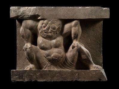 'Crouching Monster', 550-577
