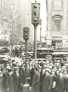 Associated Press, 'New Traffic Lights for 5th Ave, New York City, NY', 1933